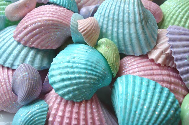 It s a super girly under the sea mermaid birthday party - Things to do with seashells ...